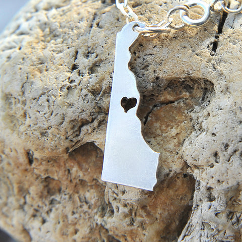 Delaware map state love heart Necklace, Customized Necklace