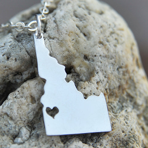 Idaho map state love heart Necklace, Customized Personalized Necklace