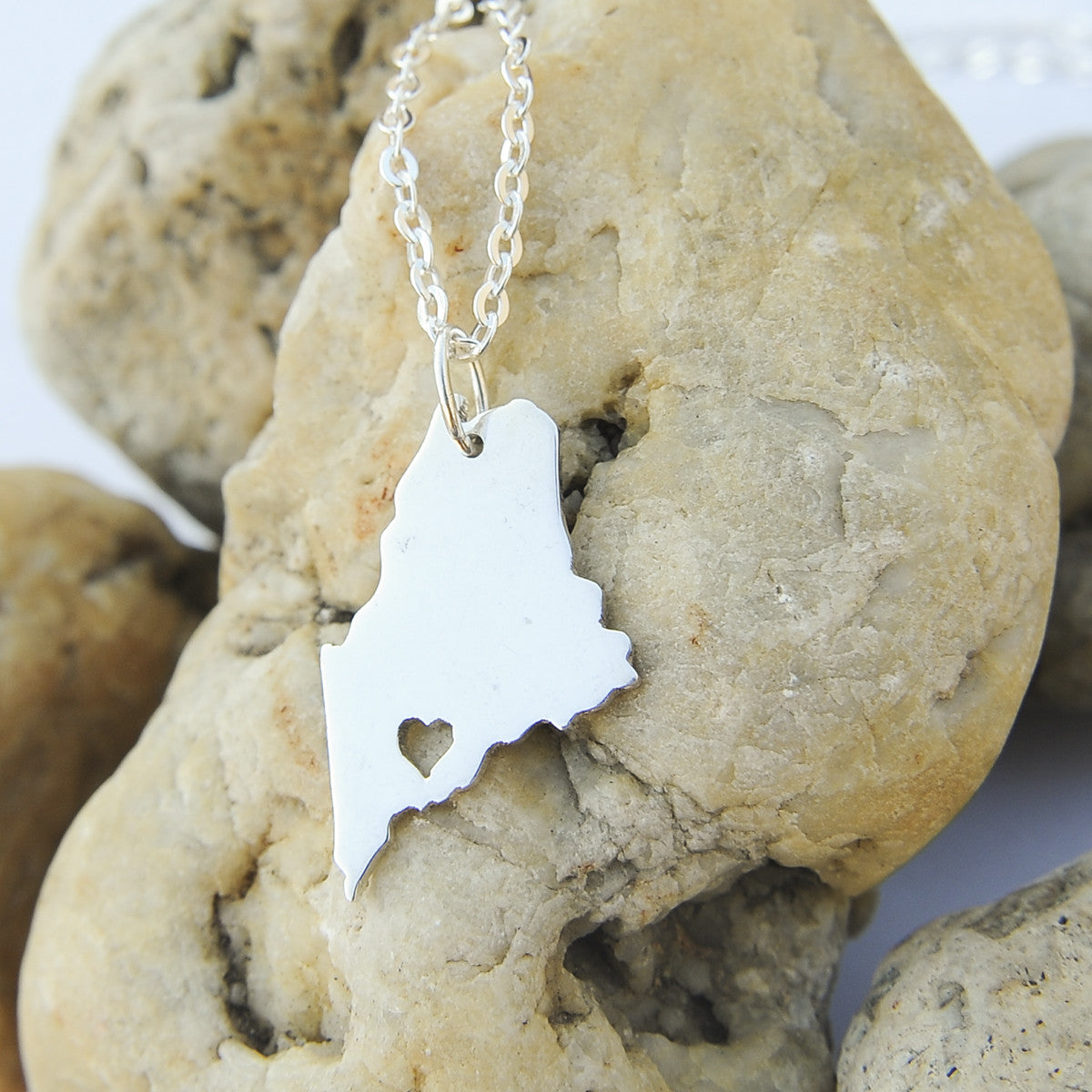 Maine map state love heart Necklace, Customized Personalized Necklace