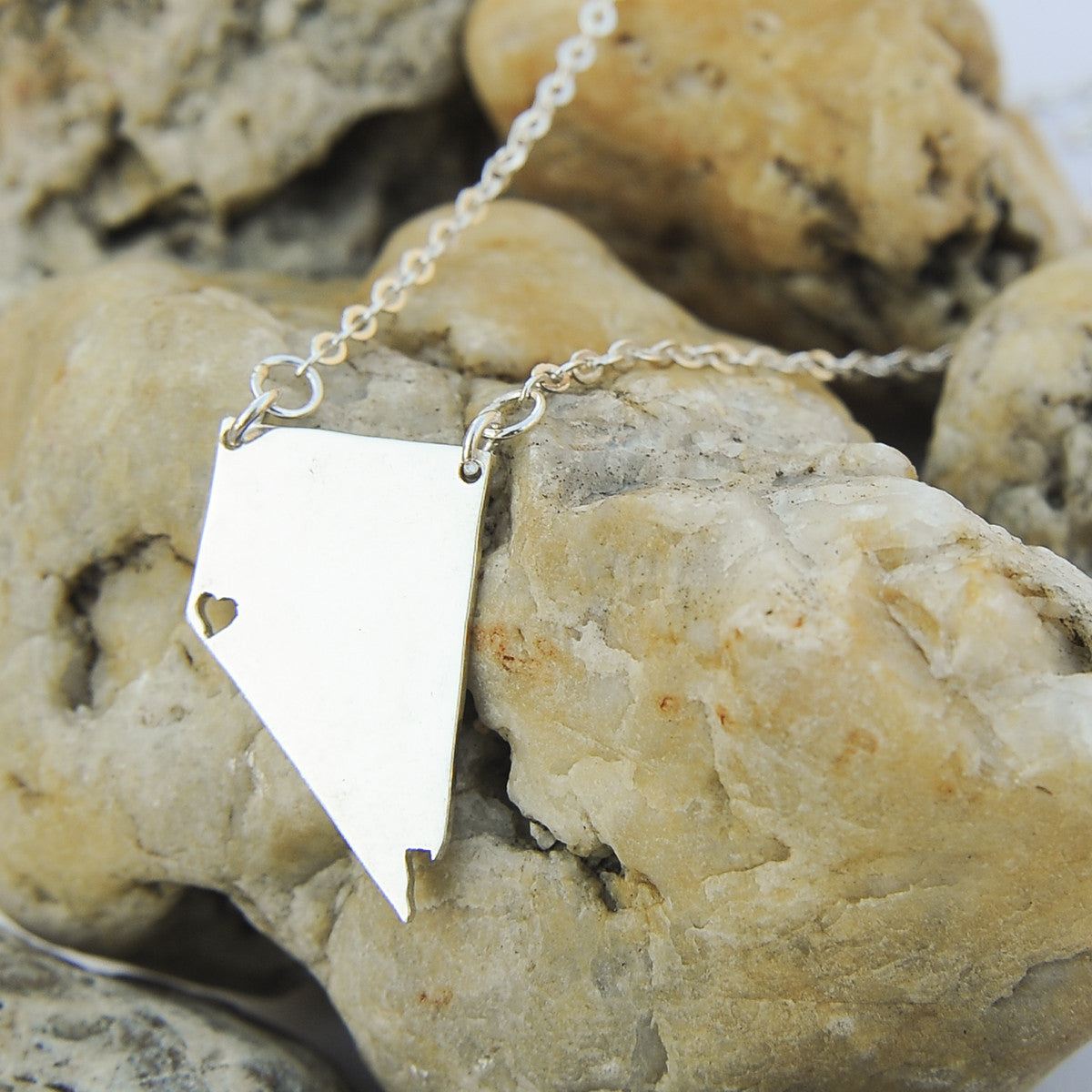 Nevada map state love heart Necklace, Customized Personalized Necklace