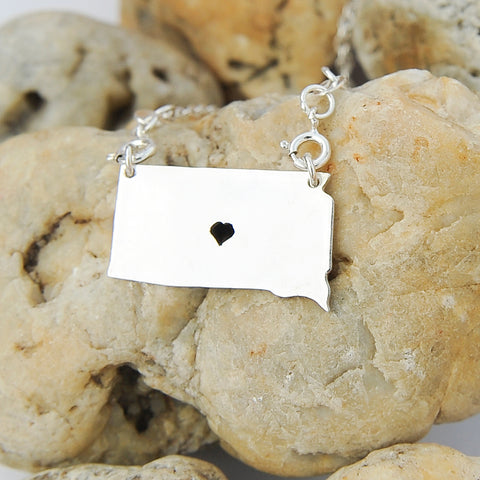 South Dakota map state love heart Necklace, Customized Personalized Necklace