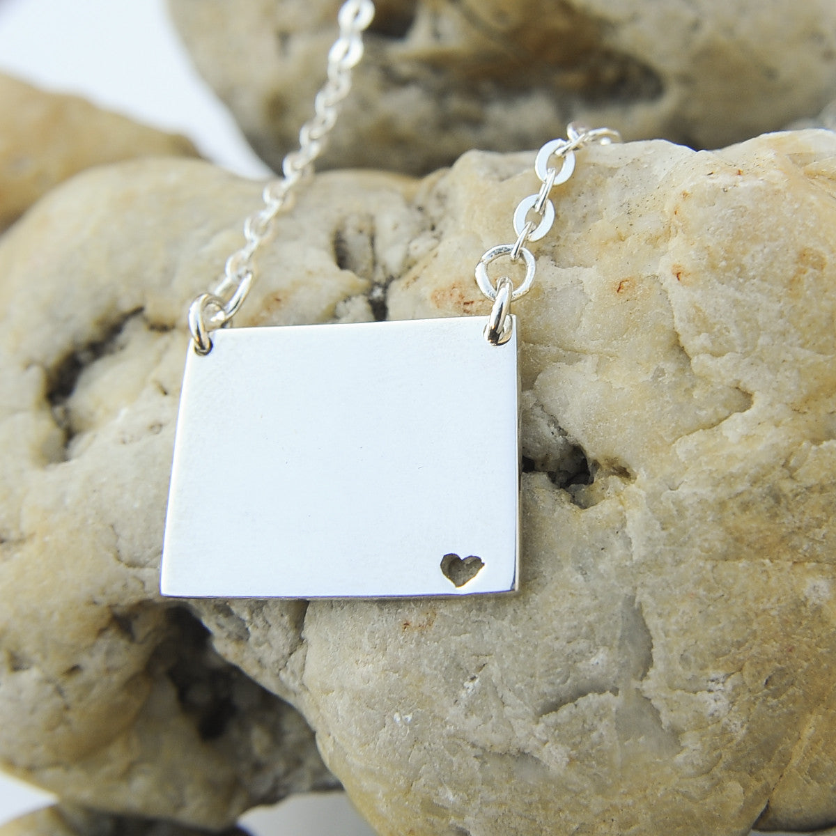 Wyoming map state love heart Necklace, Customized Personalized Necklace