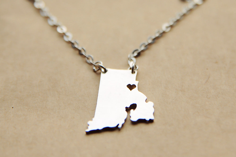 Rhode Island map state love heart Necklace, Customized Personalized Necklace