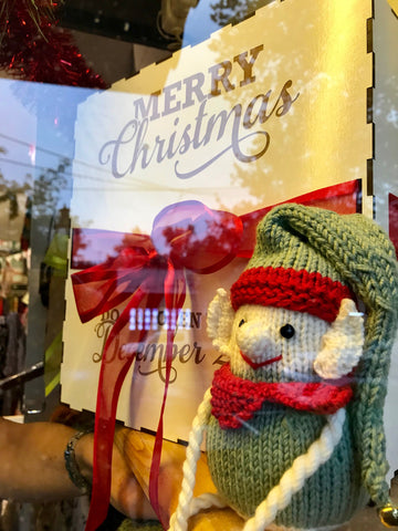 Crumbz Craft Christmas window with knitted elf 2017