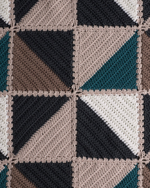 Baby's Triangle Rug 440
