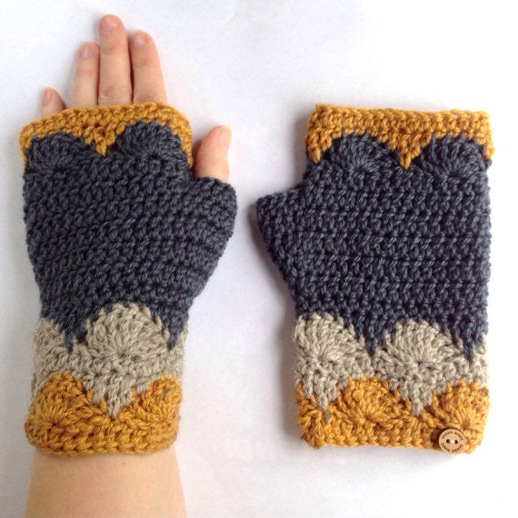 Libertas Fingerless Mitts (Digital Pattern)