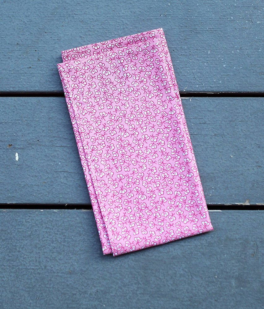 Cotton pocket square in pink petal print