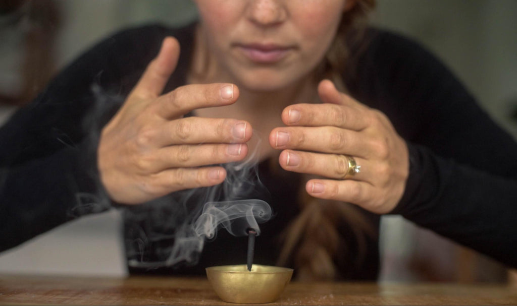 Make Your Own Incense for Healing, Ritual, & Pleasure