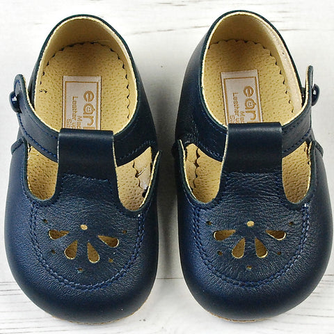 Early Days boys leather pram shoes, Robin http://www.betty-mckenzie.com