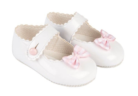 Early Days -  Baby pram shoes, white B614, pink checked bow on front
