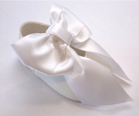 Early Days -  Baby pram shoes, white B040