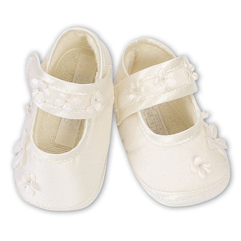 Sarah Louise - Ivory pram shoes  004437