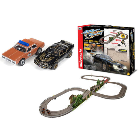 Slot Racing 16' Smokey and the Bandit Set (with jumps)