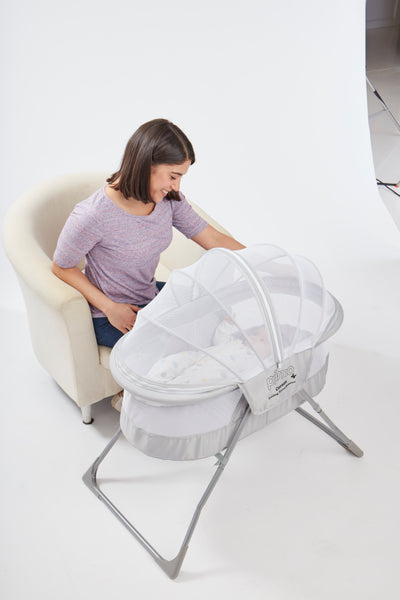 Cocoon Folding Indoor Amp Outdoor Travel Bassinet Primo Baby