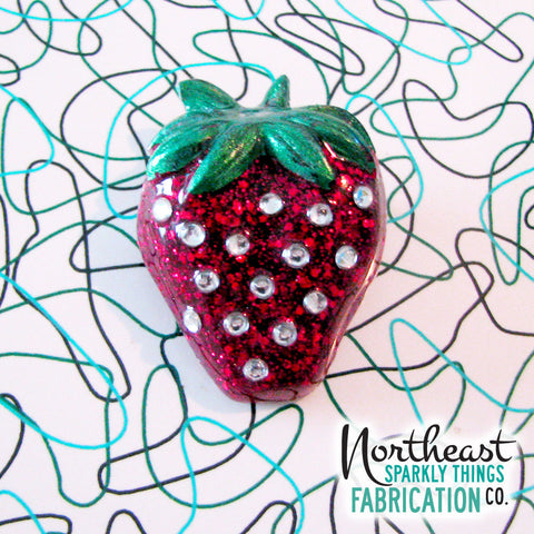 SPARKLING STRAWBERRY - brooch