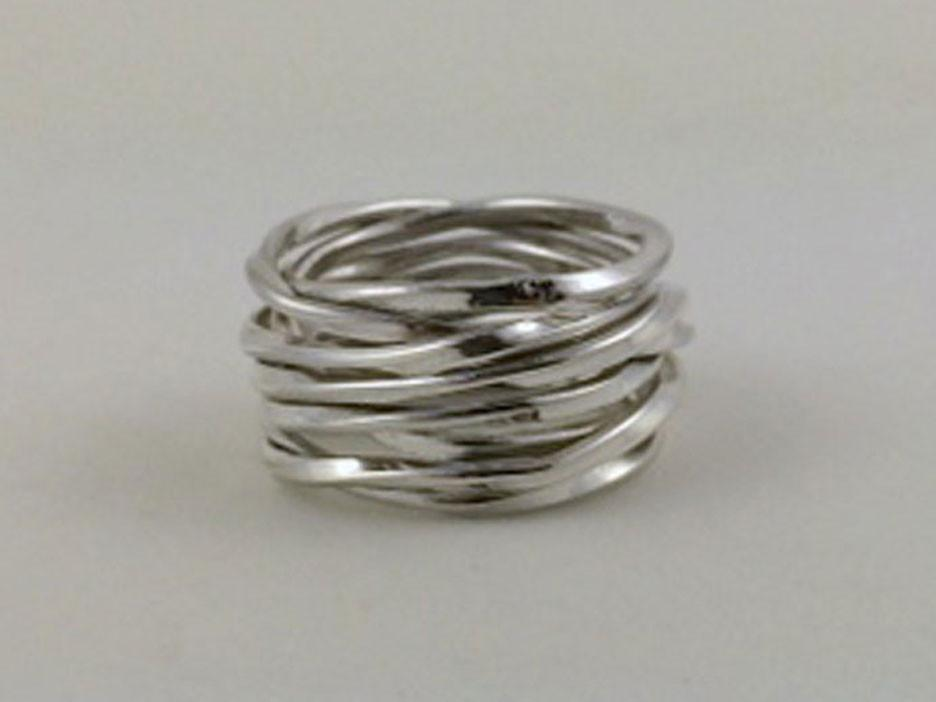 "1/2"" Wide Single Twisted Wire Ring"