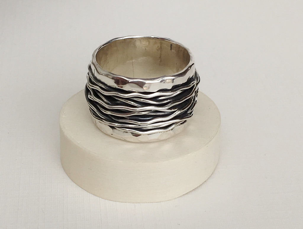 Corrugated Ring with Wire