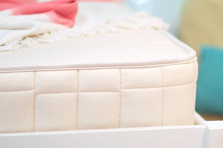 Organic waterproof mattress for children