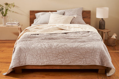 Mid-weight cotton organic quilt that is perfect for layering.