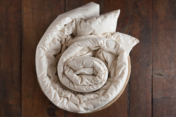 Medium Weight Organic Wool Comforter - Made in Canada