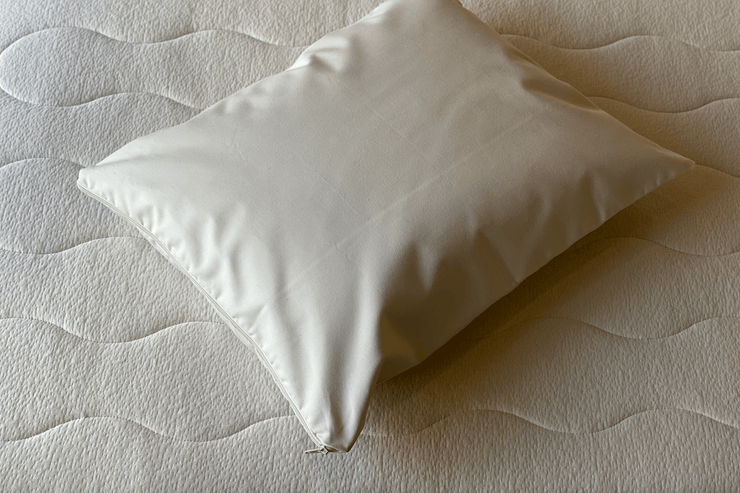 280 thread count organic cotton allergy pillow encasement protects your pillow and keeps your pillow free from dust mite residues and other allergens.