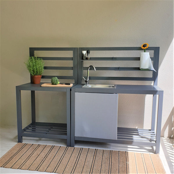 Free standing outdoor kitchen sink and counter in aluminium