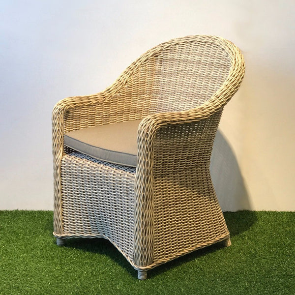 outdoor chair in synthetic wicker