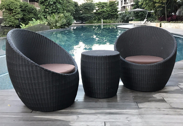 round balcony chair and table