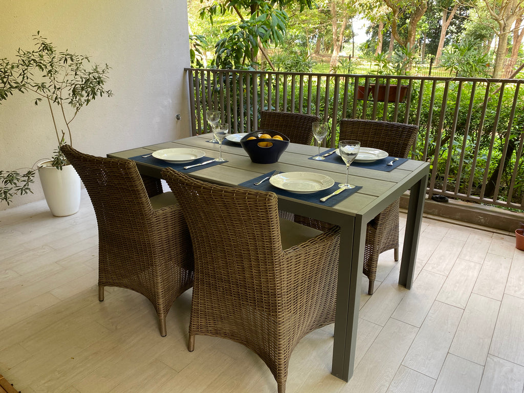 Ottawa Wicker Chairs With Moorea Table 150x90 cm Rect