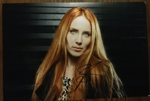 Simone Simmons - Vampyr signed 8x12 (damaged)