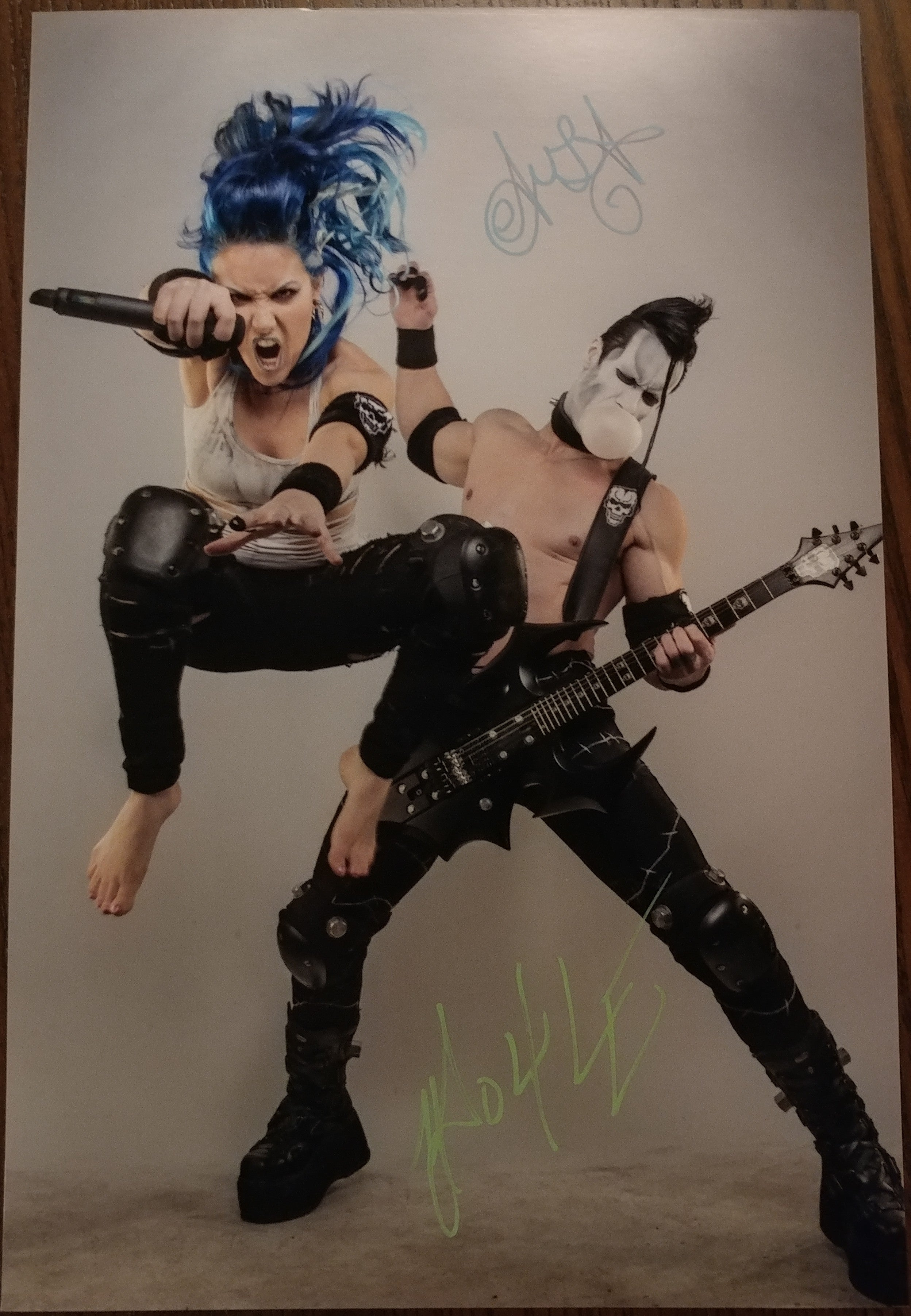 Alissa and Doyle - Jump signed 8x12 (damaged)