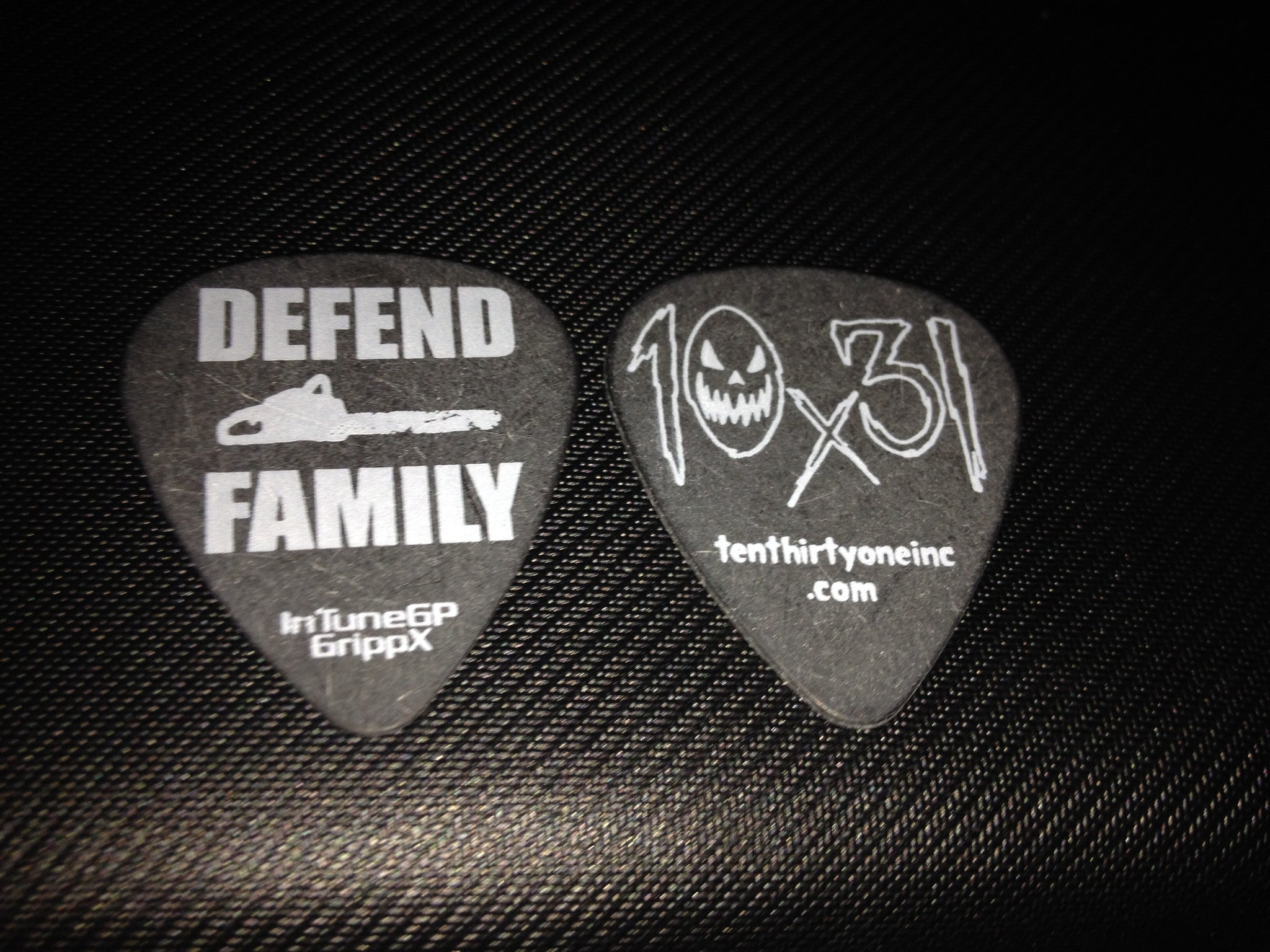 Defend Family Guitar Pick