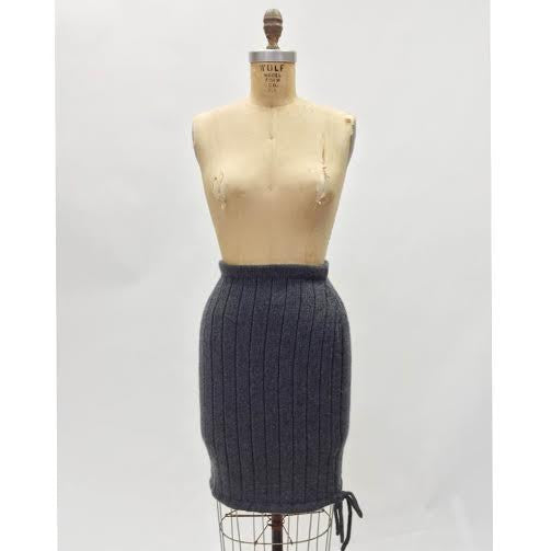 Chanel Cashmere Pencil Skirt (4/6)