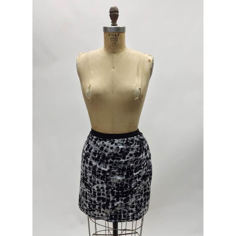 BCBG Maxazria Ruched Pencil Skirt (M)