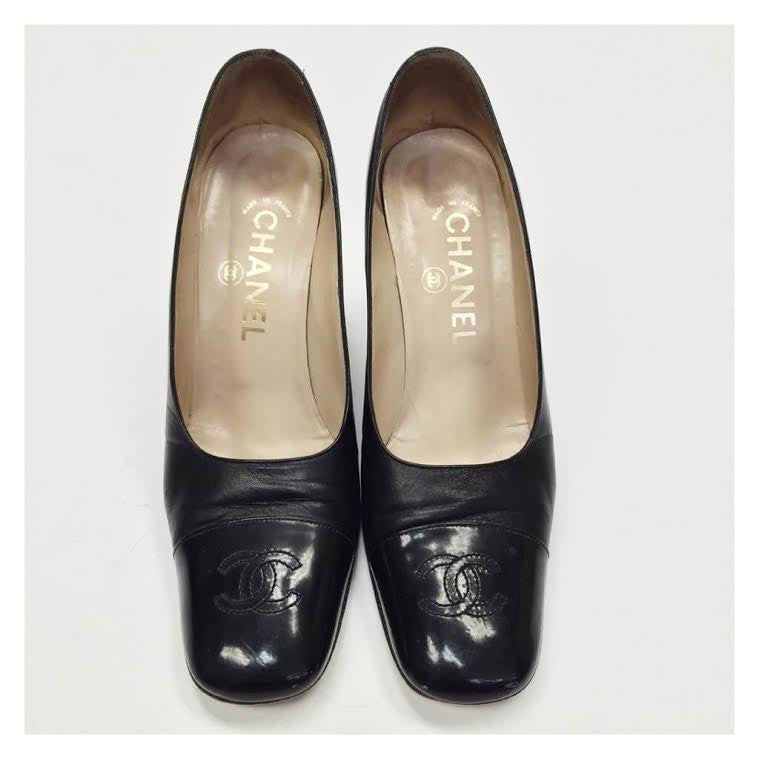Chanel Vintage Logo Pumps (7.5)