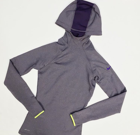 Brand new Nike Pullover (XS)
