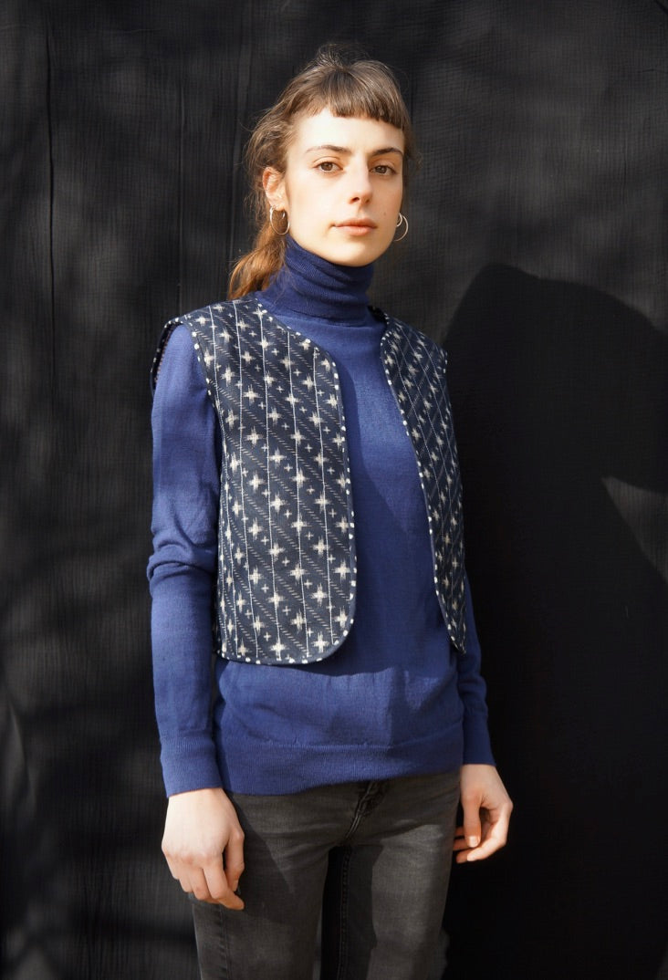 ANAÏS QUILTED VEST stars + crosses