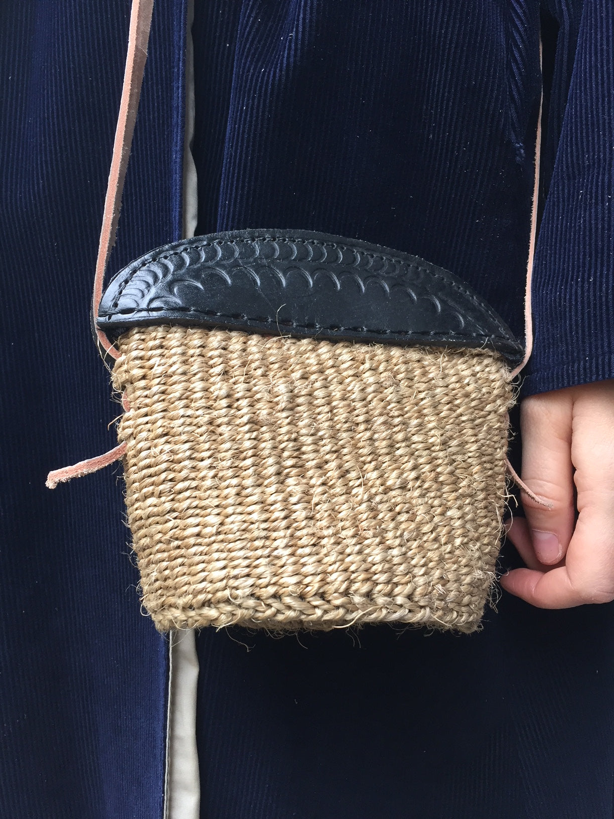 MINI SISAL PURSE dark sand