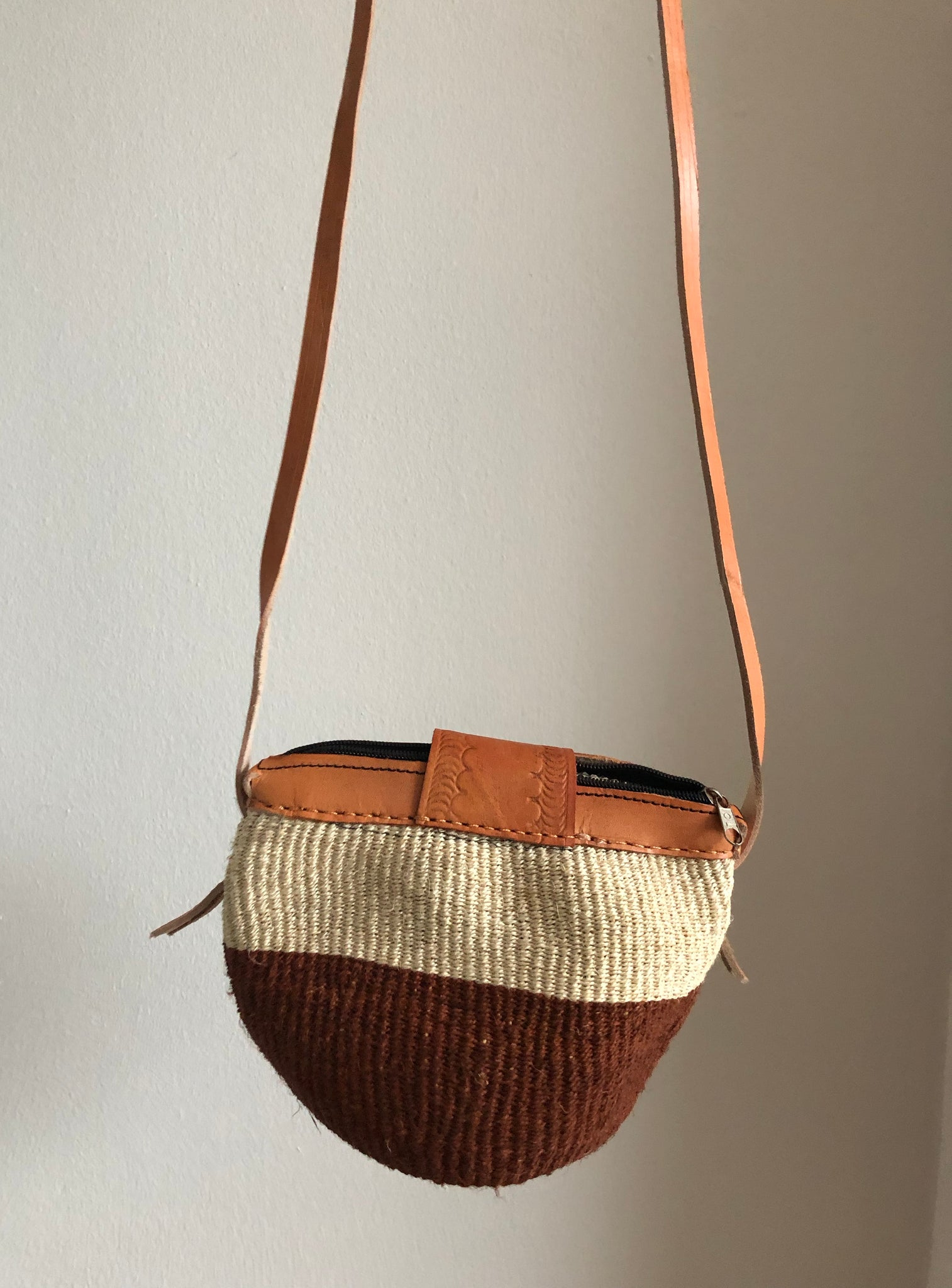 SISAL PURSE MIDI chestnut