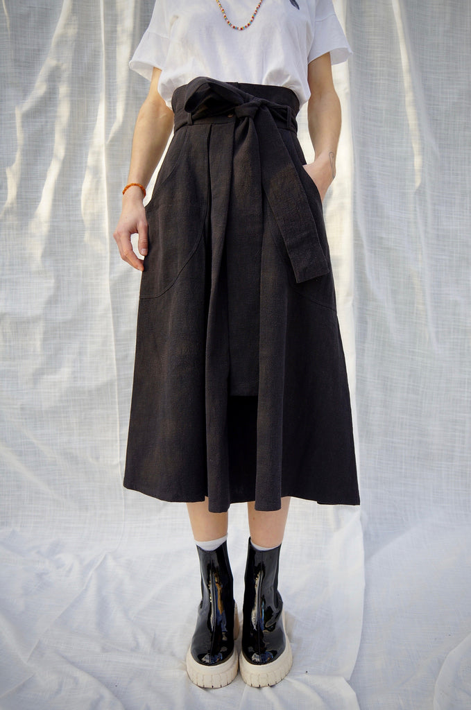 ATLANTIS SKIRT black linen