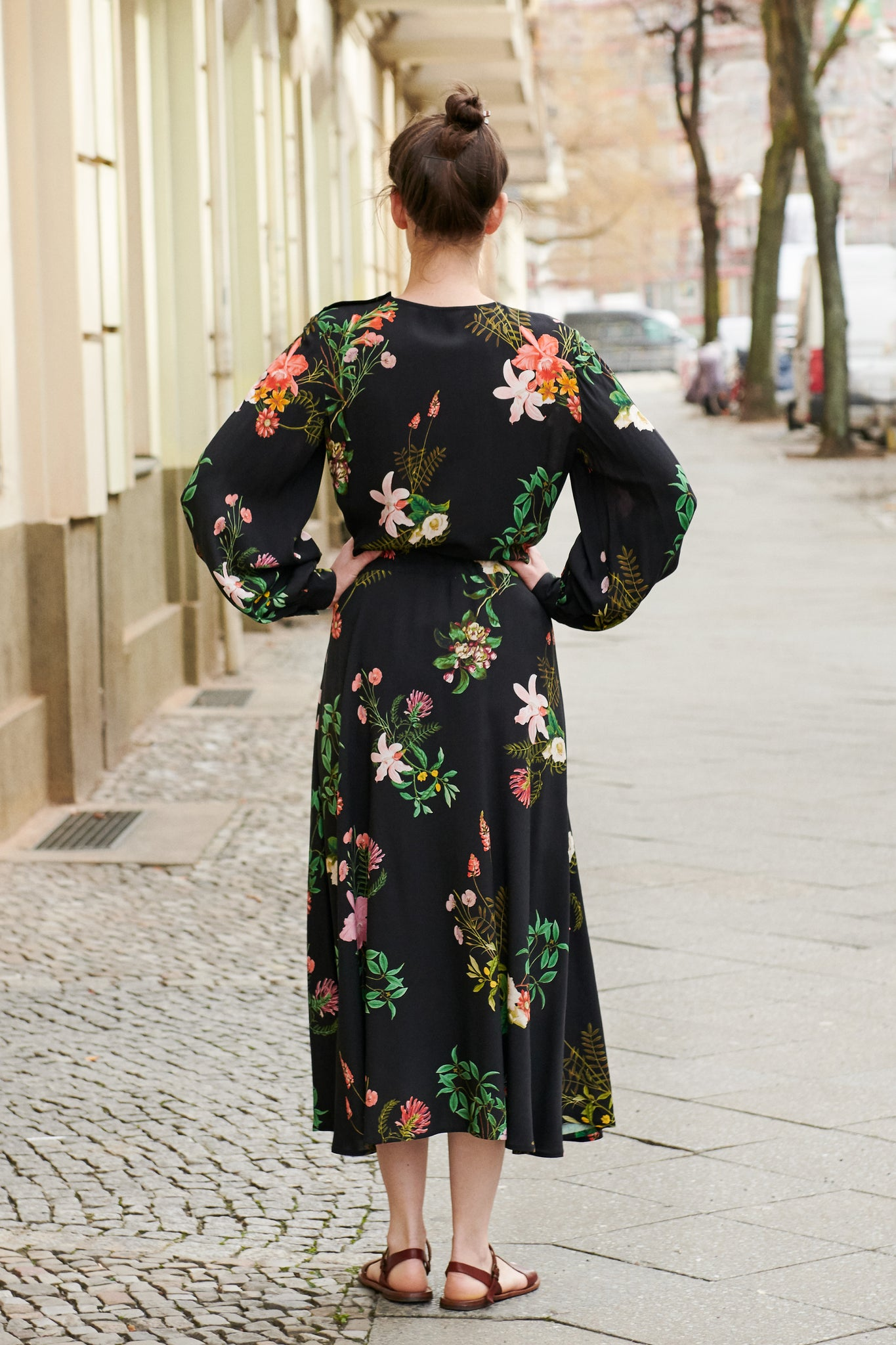 AZALEA DRESS black flowers