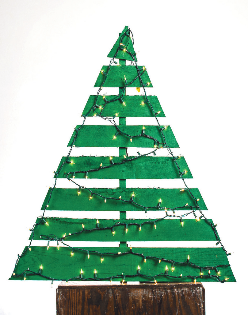 Pallet Christmas Tree- Small (3\'-4\') – Cass Community Social Services