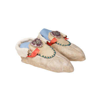 American Indian  beadwork, child's moccasins, chippewa, moccasins  Chippewa Child's Moccasins