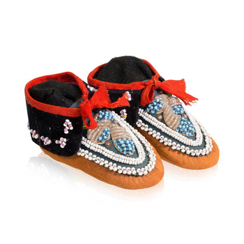 American Indian  beadwork, iroquois, moccasins, youth  Iroquoise Youth Moccasins