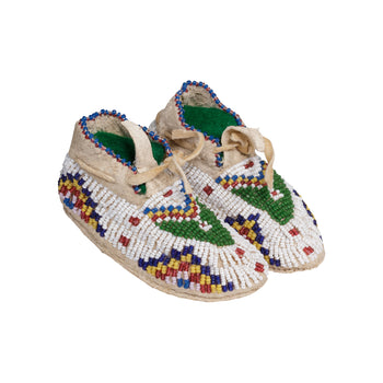 American Indian  baby moccasins, beadwork, child's moccasins, doll moccasins, moccasins, sam's pick, sioux, toys  Sioux Baby or Doll Moccasins