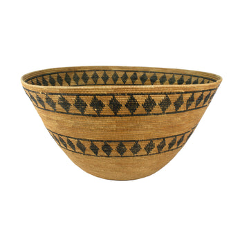 American Indian  baskets, yokut  Diamond Pattern Yokut Basket