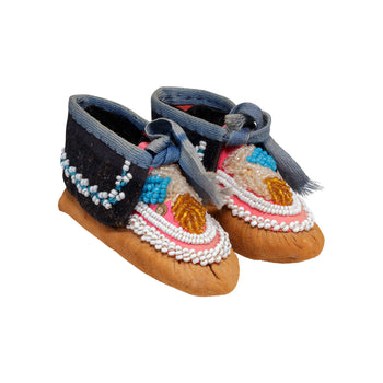American Indian  beadwork, child's moccasins, iroquois, moccasins  Iroquois Child's Moccasins