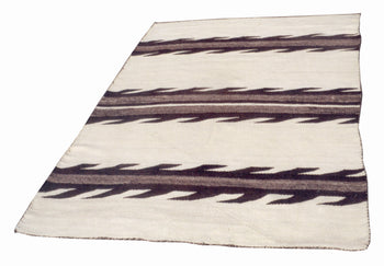 American Indian  6' to 8', blankets, transitionals, weavings  Transitional Blanket