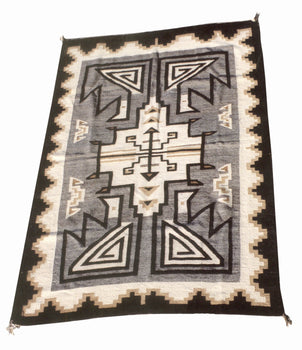 American Indian  4' to 6', navajo, two grey hills, weavings  Navajo Two Gray Hills