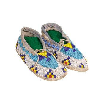 American Indian  baby moccasins, beadwork, child's moccasins, moccasins, sioux  Sioux Baby Moccasins